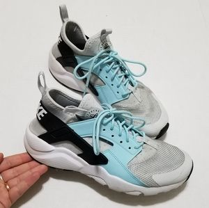 Nike Air 7 Youth Huarache Comfort Athletic Shoes